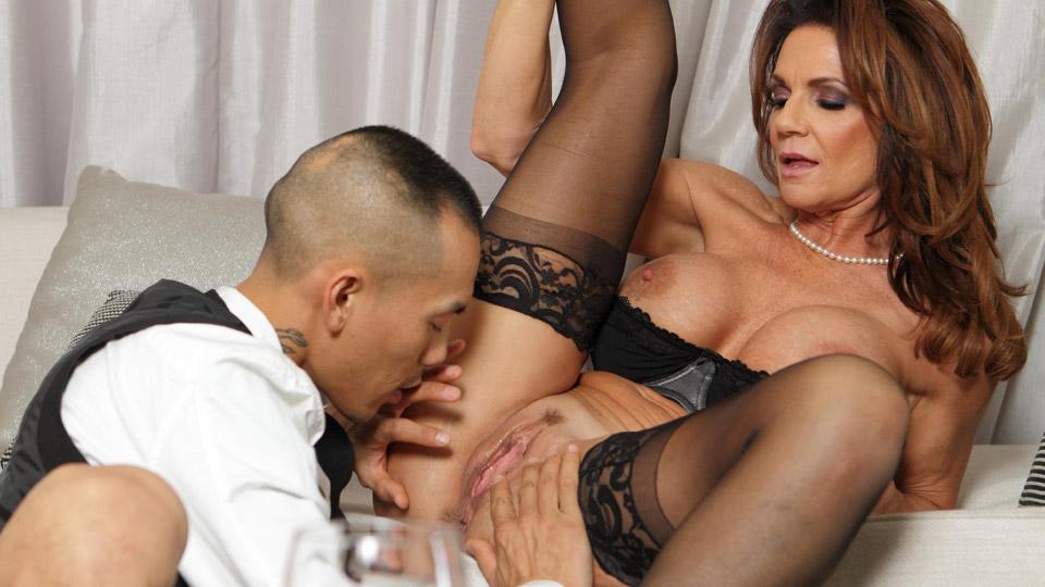 Sexy curvy secretary fucks her hung latino boss 5