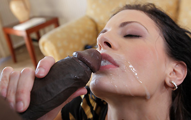 Aliz sucking big black cock
